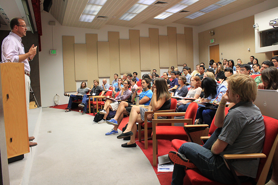 Main seminar room lecture from the 2014 CESM tutorial